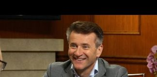 Xem Robert Herjavec on what makes a good 'Shark Tank' pitch | Larry King Now | Ora.TV