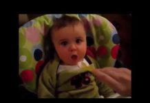 见 宝宝很可爱和滑稽 有趣的宝宝视频2016年