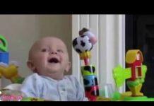 见 有趣的宝宝视频2016年 滑稽的婴儿是最难尽量不笑的挑战, 超级搞笑宝宝编译