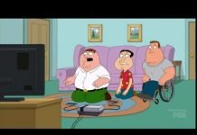 Video Family Guy – Peter Glitching Quagmire in A Football Video Game