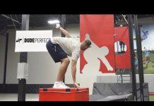 Video Freeze Frame Football Battle | Dude Perfect