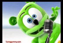 View Je m'appelle Funny Bear – Full French Version – Gummy Bear Song