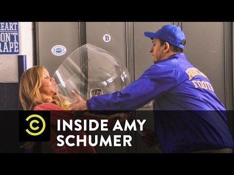 Video Inside Amy Schumer – Football Town Nights