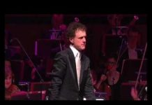 View Funny! Orchestra plays Microsoft Windows™ – the waltz
