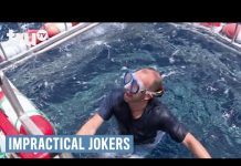 Xem Impractical Jokers – Swimming with the Sharks (Punishment) | truTV