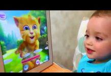 见 有趣的嬰兒有趣的孩子有害的孩子磅巨人駱駝嚼口香糖機 視頻為孩子們