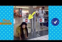 View Funny Videos 2017 ● People doing stupid things P22