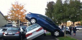 Xem Khi phụ nữ lái xe hơi, cười vl…, cách lùi xe vô chuồng của các chị