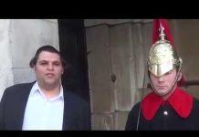 View Funny guy makes Royal Guard Laugh at Buckingham Palace