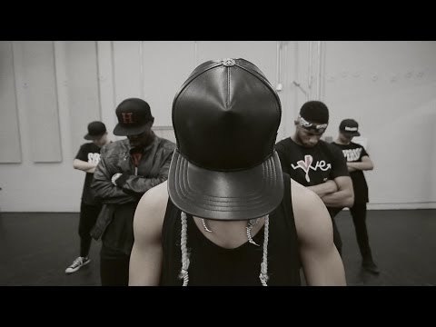 Xem TAEYANG – 'RINGA LINGA' Dance Performance Video