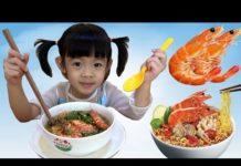 Xem Bé Tập Nấu Ăn – AnAn Làm Món Mì Tôm Thịt Bò Xào ❤ AnAn ToysReview TV ❤