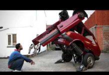 Xem Xem cha con bác thợ máy chế tạo chiếc xe hơi biến hình của họ