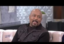 Xem FULL INTERVIEW: Daymond John on His Favorite 'Shark Tank' Guest Judge and More!