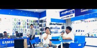 Xem Hai thanh niên thử mic kẹo kéo khiến cả tiệm điện thoại điêu đứng vì ngỡ Phi Nhung, Quang Lê song ca