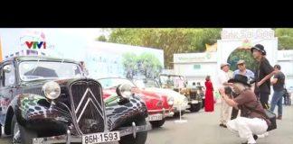 Xem Ngày hội xe hơi và xe vespa cổ ở Sài Gòn| VTV24