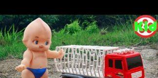Xem Xe ô tô chở động vật và em bé đi tìm trứng – đồ chơi trẻ em H990O Kid Studio
