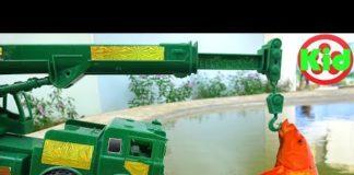 Xem Ô tô tải, xe cần cẩu giúp đỡ cá chép #2 – đồ chơi trẻ em G192M Kid Studio