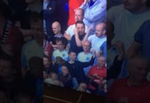 Video Football fan makes tosser gesture