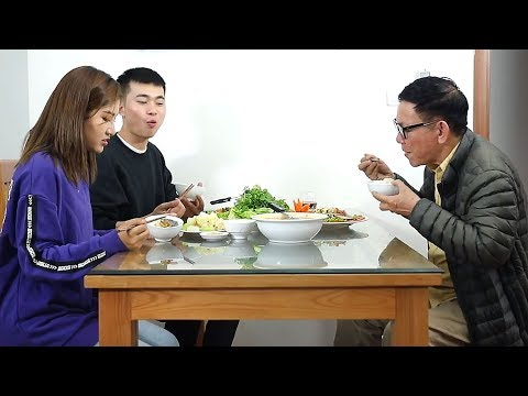 Xem Con Dâu Giận Tái Mặt Vì Bố Chồng Tương Lai Cho Ăn Đuôi Cá